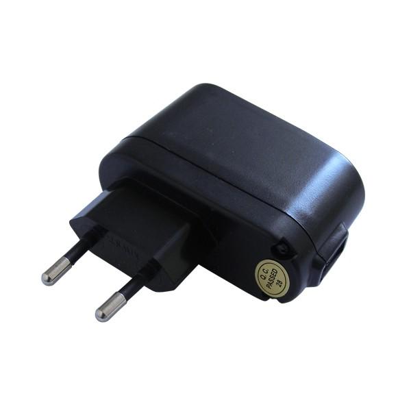 Adaptér USB 230V/USB 5V energeticky úsporný